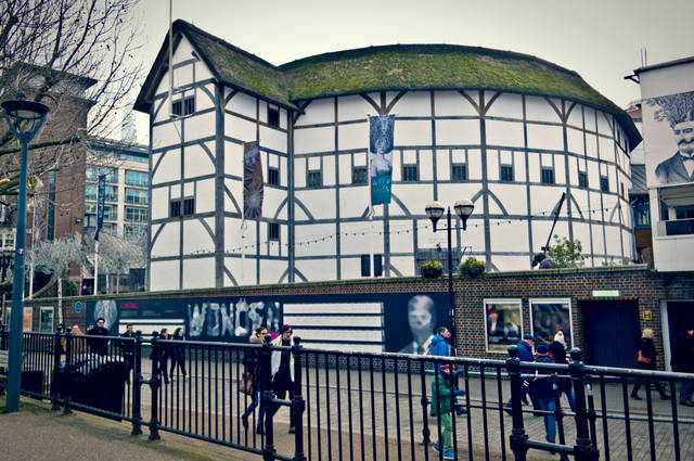 Globe Theatre Plyscraper image by LIeLO (via Shutterstock).