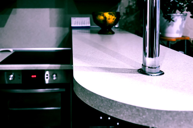 Laminated Worktop image by IceAlien (via Shutterstock).
